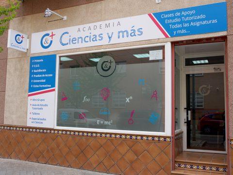 Rotulación de fachada Academia Ciencias y más